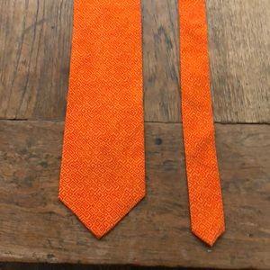 British museum tie: unexpected and so dashing